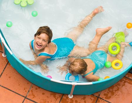 Por qué nunca deberías poner una piscina en tu terraza, explicado con cálculos estructurales por un arquitecto