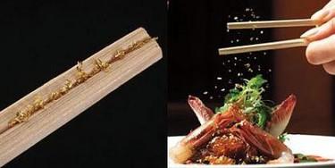 Palillos con oro incorporado para aderezar el plato