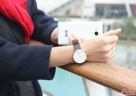 Elephone W2, ya conocemos al elegante (y extraño) smartwatch que la firma china presentará el próximo viernes