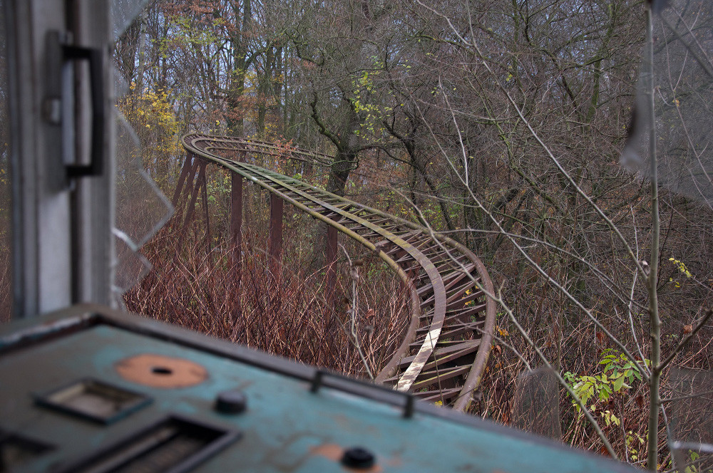 Abandonded Theme Park Seph Lawless 7