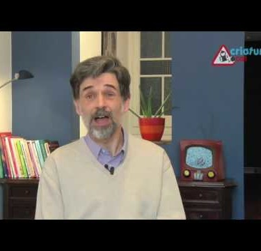 Carlos González habla sobre los niños que lloran al ponerlos a dormir