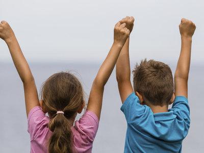 Cómo fomentar la buena relación entre hermanos desde pequeños