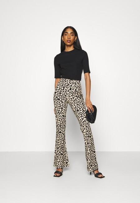 https://www.zalando.es/vero-moda-vmkamma-pant-pantalones-safariblack-ve121a0zb-t11.html