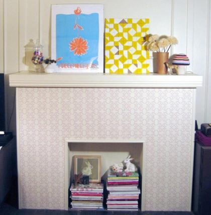 Decora tu chimenea con papel pintado o vinilos decorativos este verano