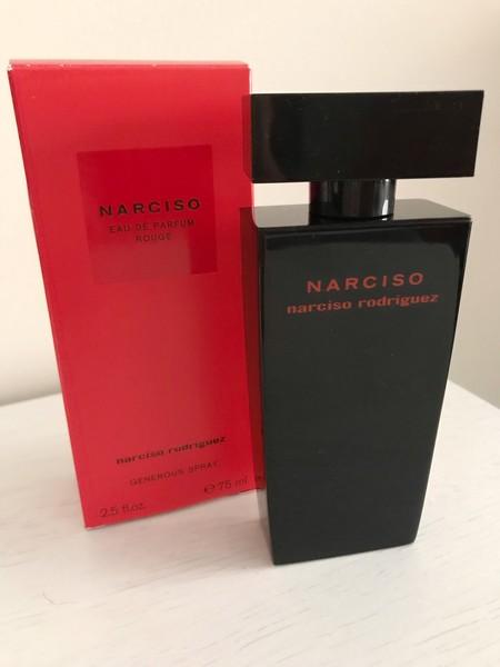 He probado Rouge de Narciso Rodríguez, el perfume que se va conmigo de vacaciones y que me ha enamorado por completo