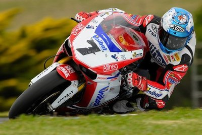 Ducati interesada en Carlos Checa para desarrollar la GP12 de Moto GP
