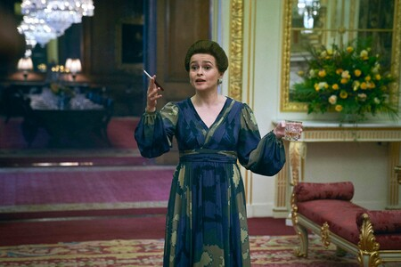 """'The Crown': Helena Bonham Carter afirma que la serie de Netflix tiene la """"responsabilidad moral"""" de aclarar al público que es ficción"""