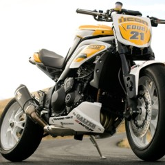 triumph-speed-triple-overlord-drift-triples-by-icon