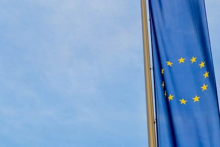Fotografía de una bandera de la Unión Europea