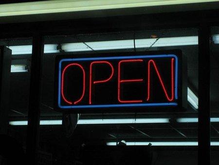 Sin licencias de apertura pero asumiendo la responsabilidad