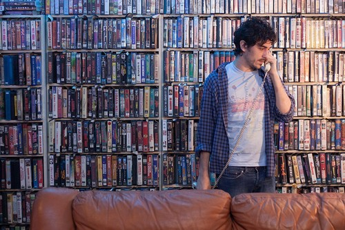 'Blue Rai': para invocar el espíritu de la serie B no basta con ambientar la película en un videoclub