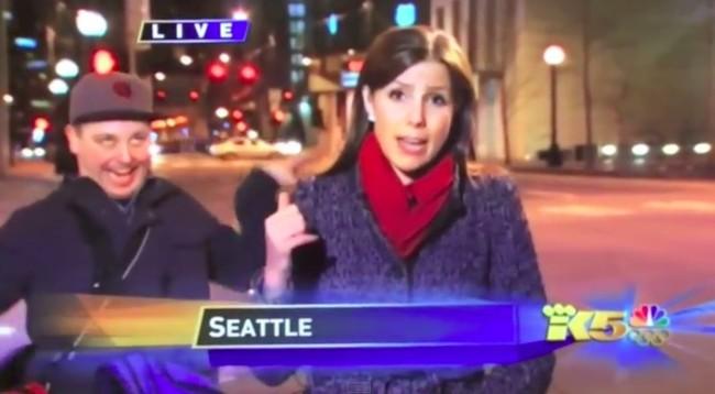 """El """"videobomb"""": la peor pesadilla de los reporteros de noticias en directo"""