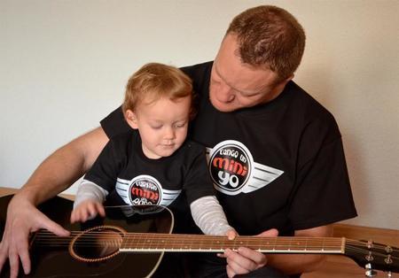 Mini Alex Papa Guitarra