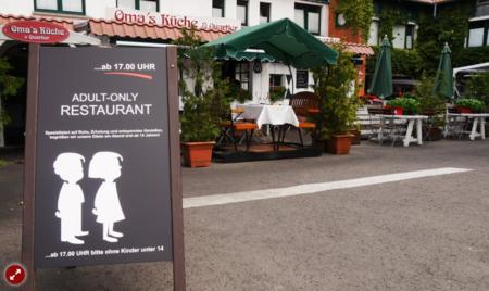 Un restaurante alemán prohíbe la entrada a menores a la hora de la cena: vuelve la polémica sobre los sitios libres de niños