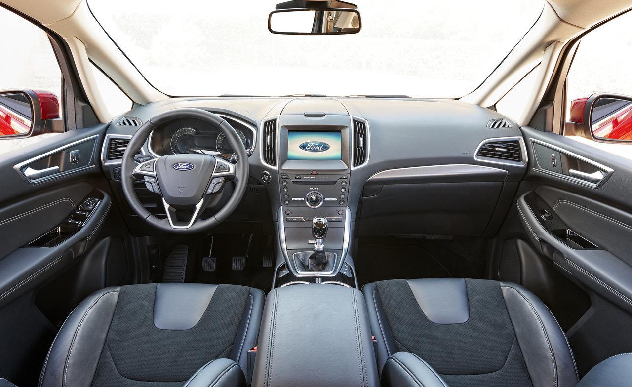 Foto de Ford S-MAX 2015 (37/59)