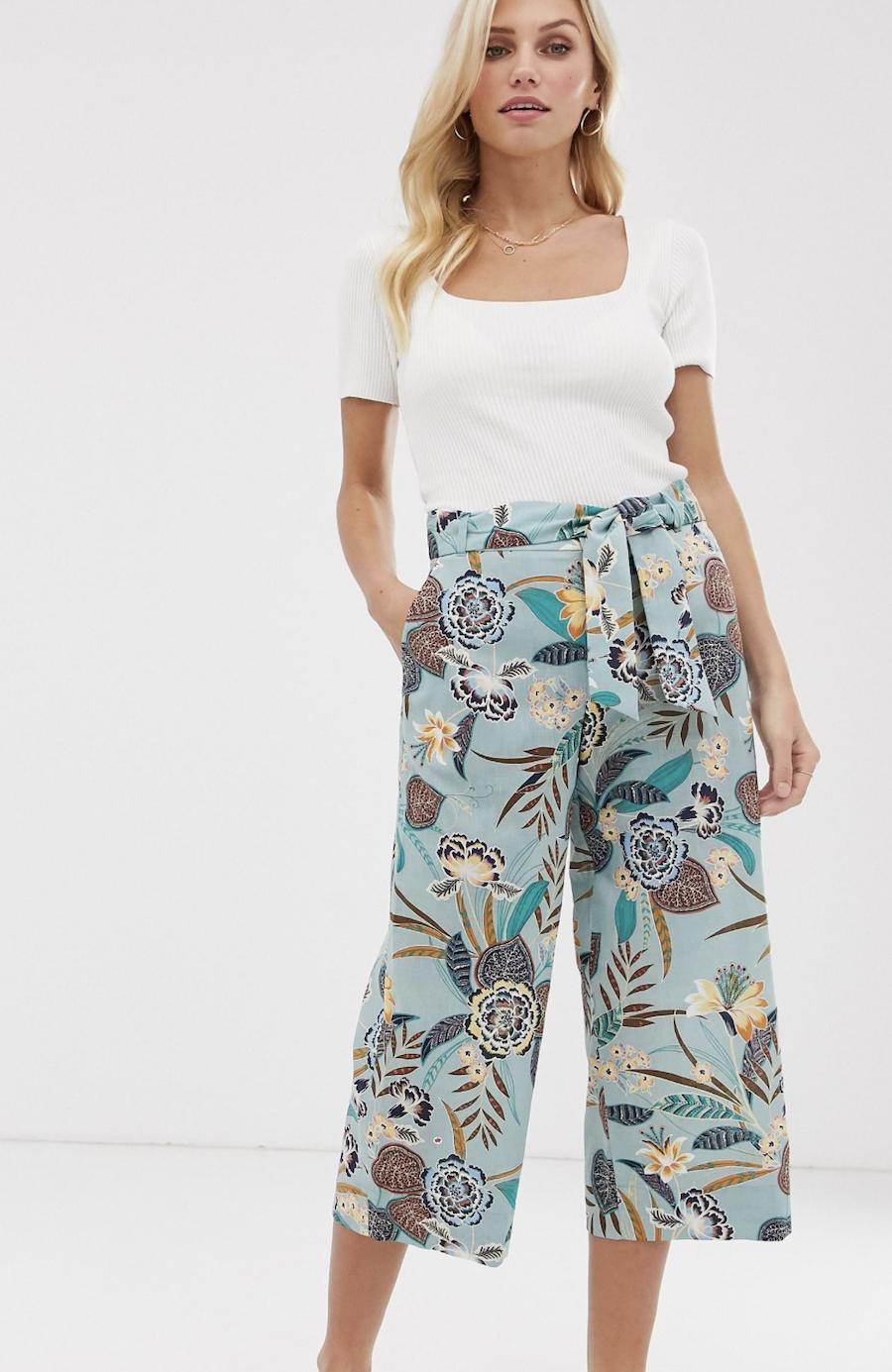Pantalones de pernera ancha con estampado tropical de Esprit