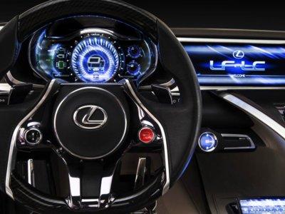 Toyota se quiere saltar a las operadoras para su coche conectado, investiga en comunicación vía satélite