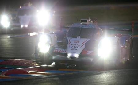 24 horas de Le Mans 2014: Toyota lidera, Audi acecha
