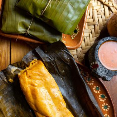 En México celebran La Candelaria comiendo tamales con atole (y el muñeco de la Rosca de Reyes tiene un papel clave)