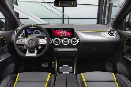 Mercedes Amg Gla 45 2021 23