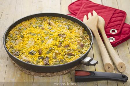 Arroz Con Pollo Y Verduras En Sarten