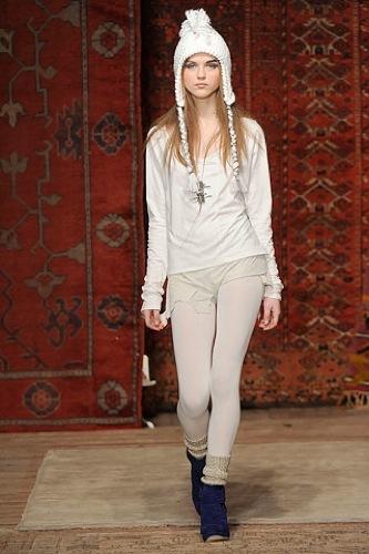 Erin Wasson x RVCA, Otoño-Invierno 2010/2011 en la Semana de la Moda de Nueva York, gorro