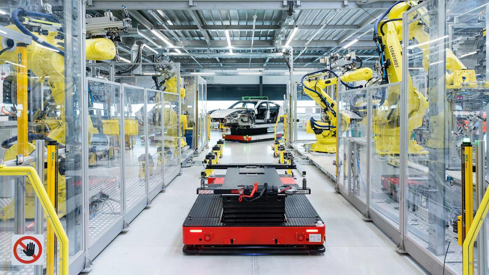Foto de Fábrica Porsche Taycan (inauguración) (5/44)