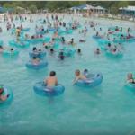 ¿Puedes encontrar al niño que se está ahogando en la piscina antes que el socorrista? Previene ahogamientos