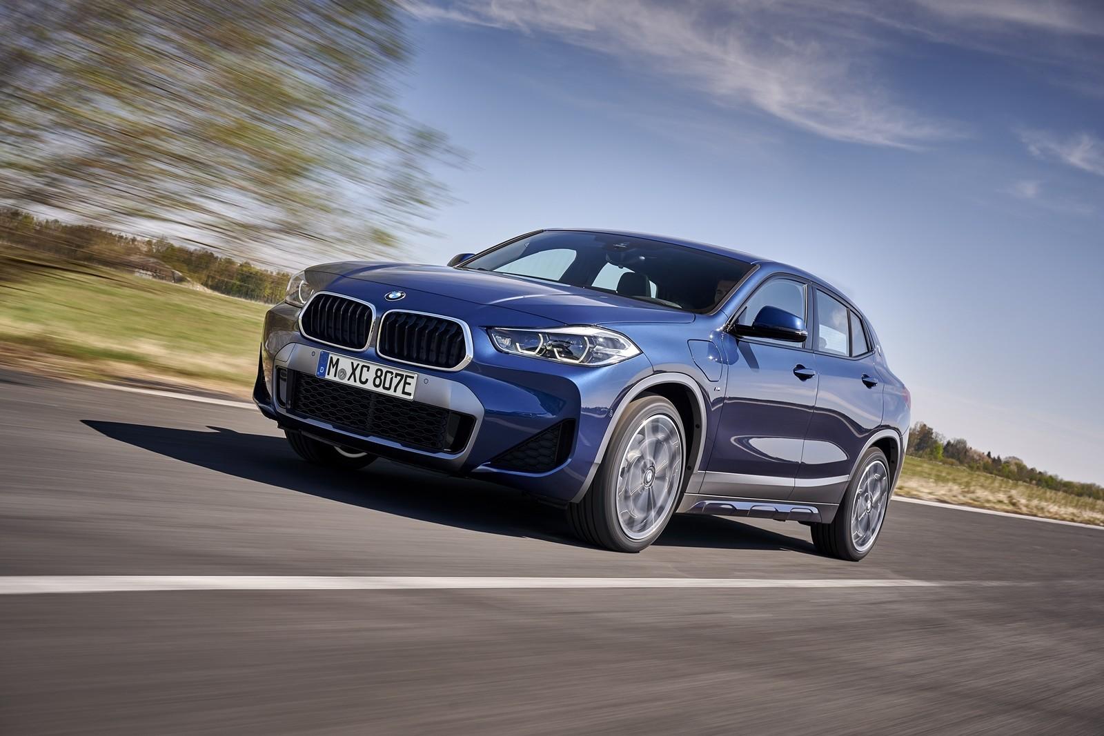 Foto de BMW X2 xDrive25e 2021 (17/53)