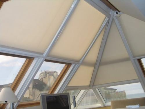 Cortinas y estores soluciones para ventanas dif ciles - Sistemas de cortinas y estores ...