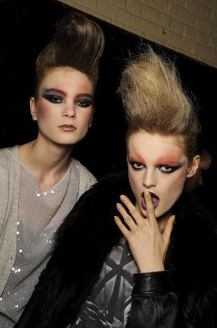 Tendencias de maquillaje en pasarelas, vuelve el look de los 80