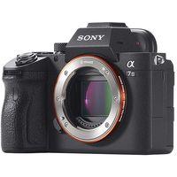 Precio mínimo en Amazon para la sin espejo full frame del momento: Sony Alpha 7 Mark III por 1.915,97 euros