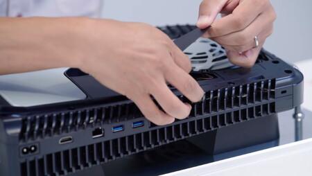 Nada de ampliar con SSD interno el almacenamiento de PS5 en su lanzamiento: Sony confirma que habrá que esperar a un parche