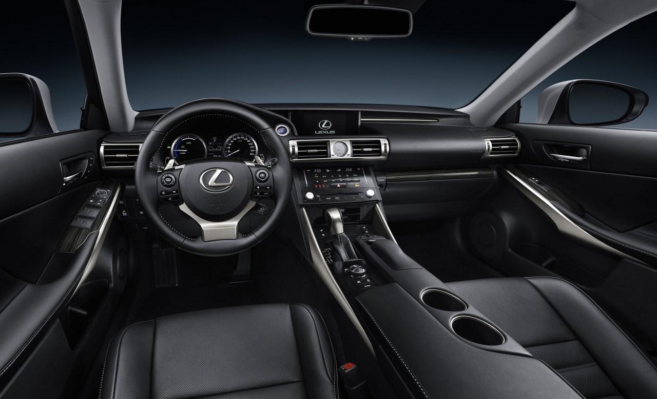 Foto de Lexus IS 300h (48/53)