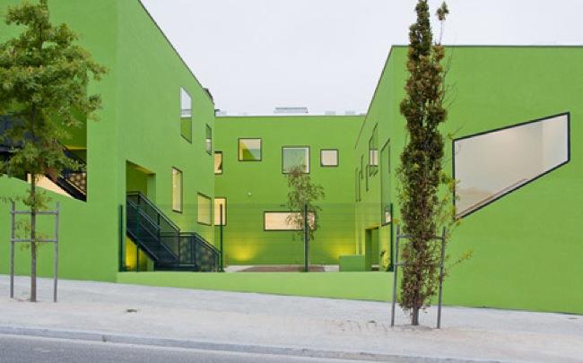 Espacios para trabajar en oporto un colegio de dise o en for Colores de moda para exteriores