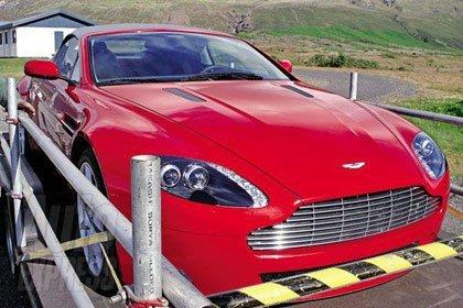 El Aston Martin V8 Vantage Convertible sin camuflaje