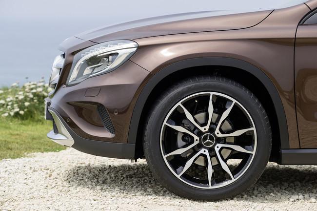 Mercedes-Benz Clase GLA 2013, detalle de la rueda
