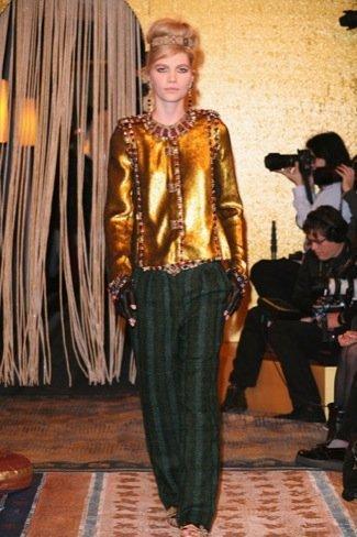 Chanel Pre-Fall 2011 dorado