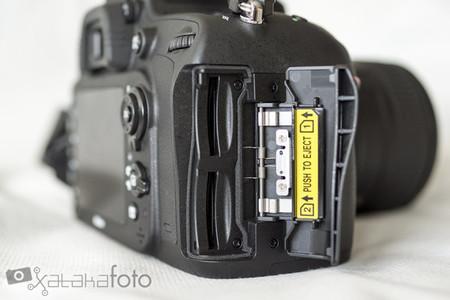 Nikon D610 ranuras