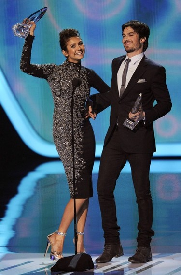 Ian Somerhalder y Nina Dobrev son unos <em>jachondos</em> en los People's Choice Awards 2014