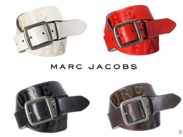 "Cinturón ""Hardcore"" de Marc Jacobs."