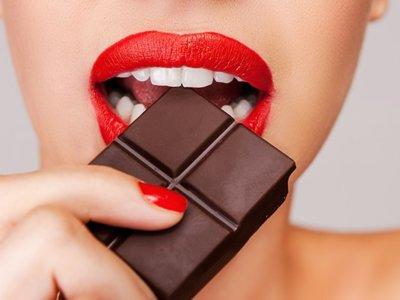 ¿Qué hay de cierto en que el chocolate propicia el acné?