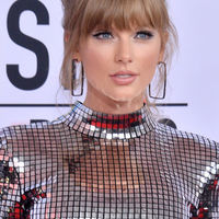4 looks para recordar (y 4 para olvidar) de los American Music Awards