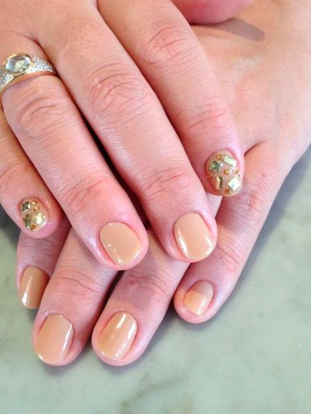 busy sag nail art
