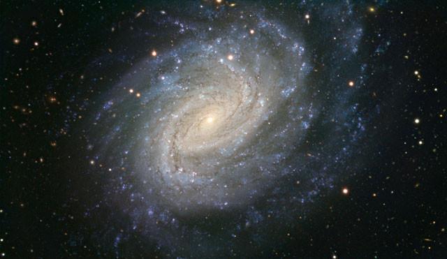 [Vídeo] El VLT muestra nueva visión de una galaxia espiral con una supernova