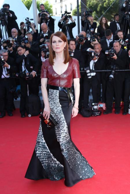 Julianne Moore con bolso Petite Malle de Louis Vuitton