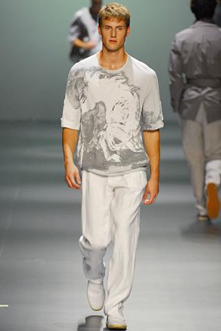 Foto de Adolfo Dominguez, Primavera-Verano 2010, en la Cibeles Fashion Week (8/11)