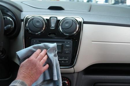 Cómo eliminar los malos olores del auto y, lo más importante, cómo evitarlos