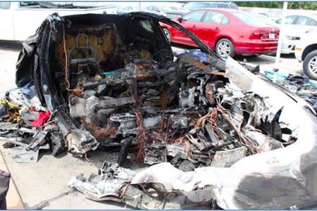 En un nuevo accidente, la batería de un Tesla Model S se incendia en dos ocasiones provocando una nueva investigación