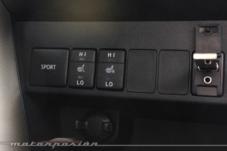 Botón Sport en el Toyota RAV4